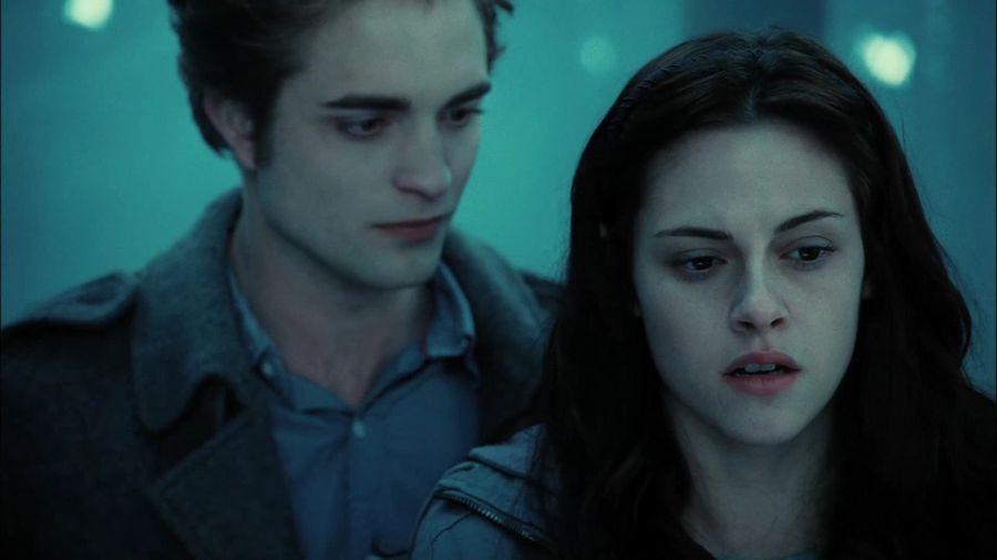 twilight bella and edward first kiss movie